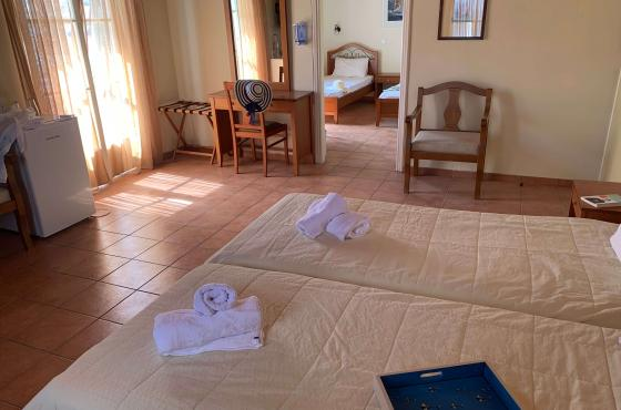 Family room - A Hotel Spetses